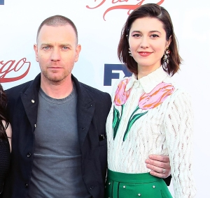 Ewan-McGregor-and-Mary-Elizabeth-Winstead