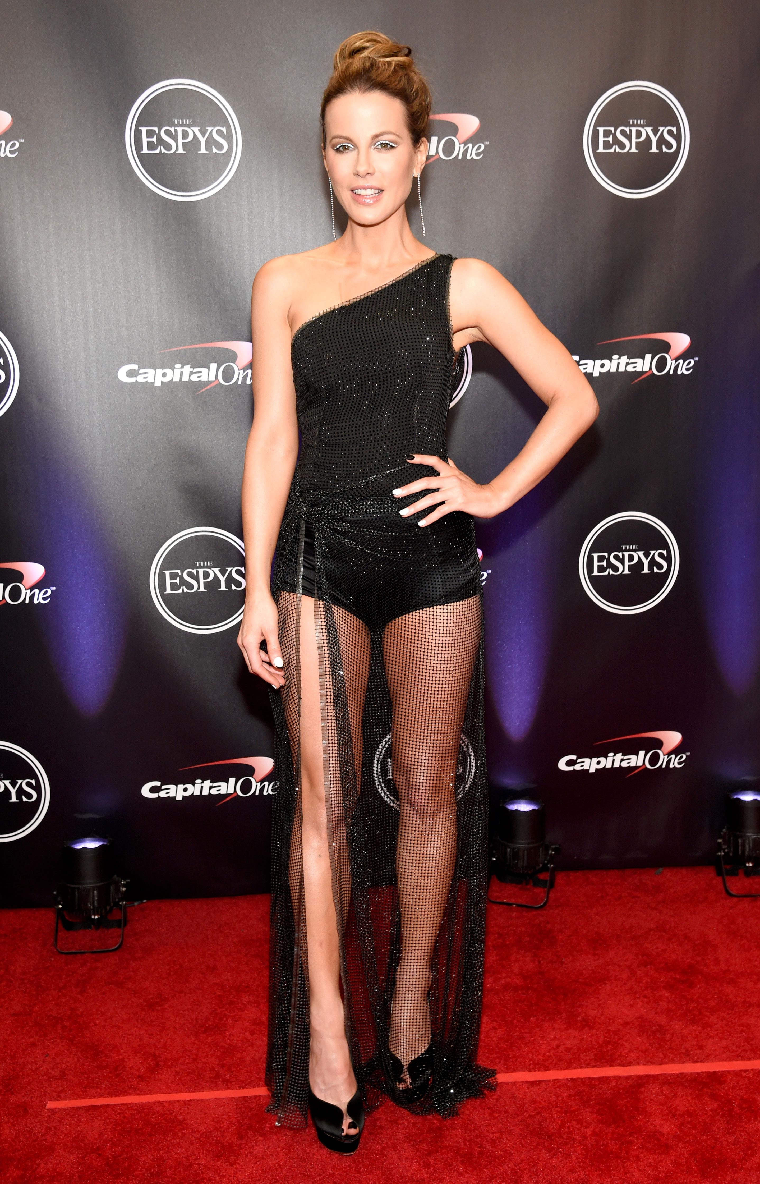 Kate-Beckinsale-espys - Wearing a black one-shoulder Alberta Ferretti dress with a sheer skirt.