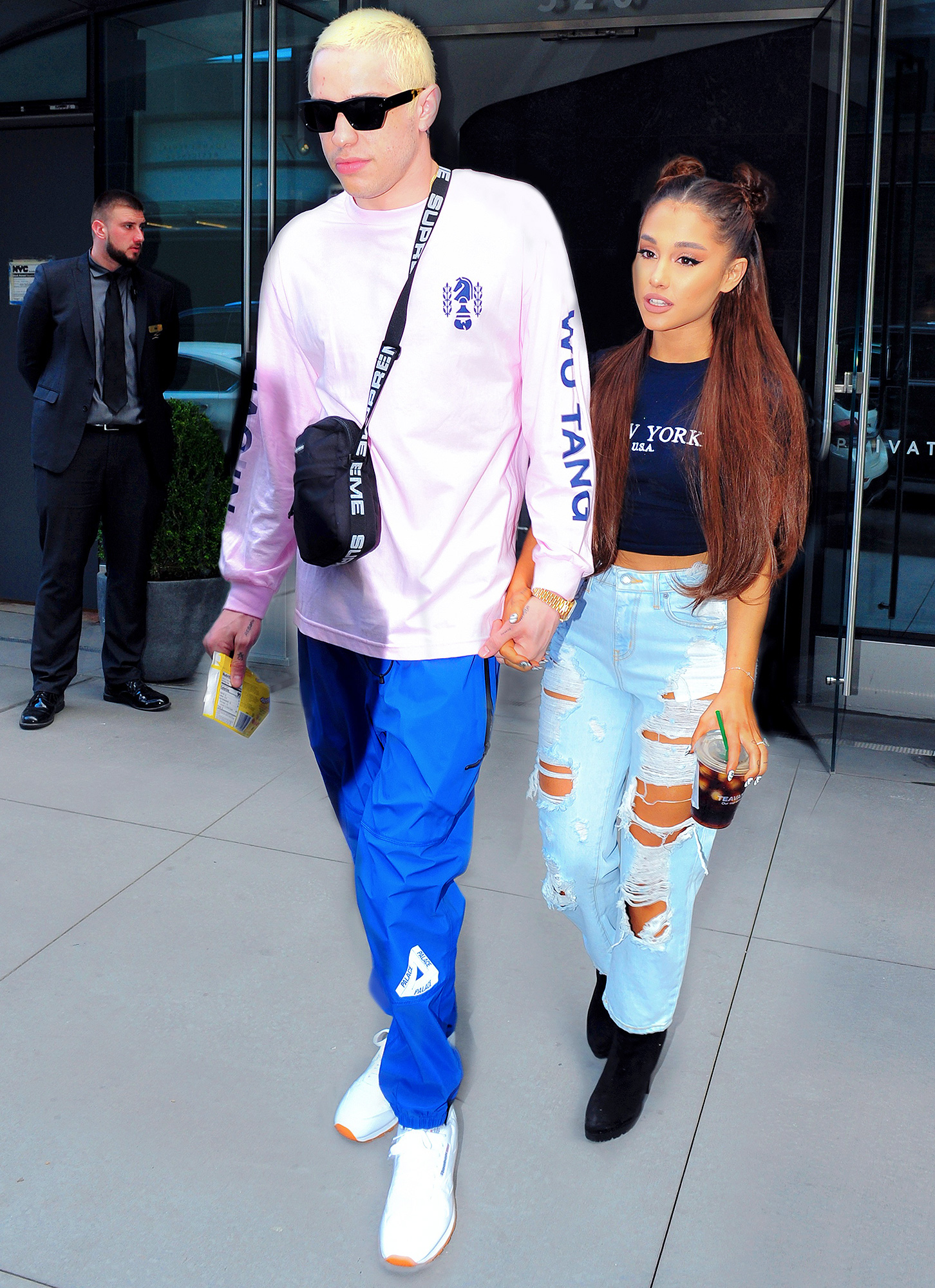 Pete Davidson Defends Gift Of Late Father S Badge To Ariana Grande