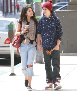 Selena Gomez, Justin Bieber, Engaged, Hailey Baldwin