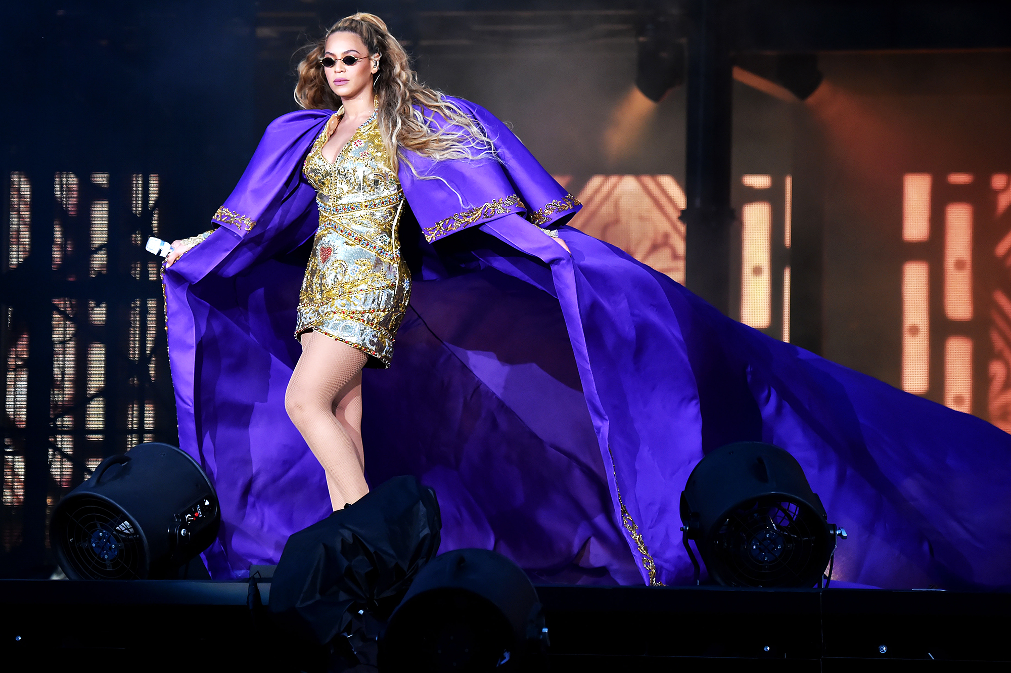 Beyonce Malfunction Emergency Ladder Concert