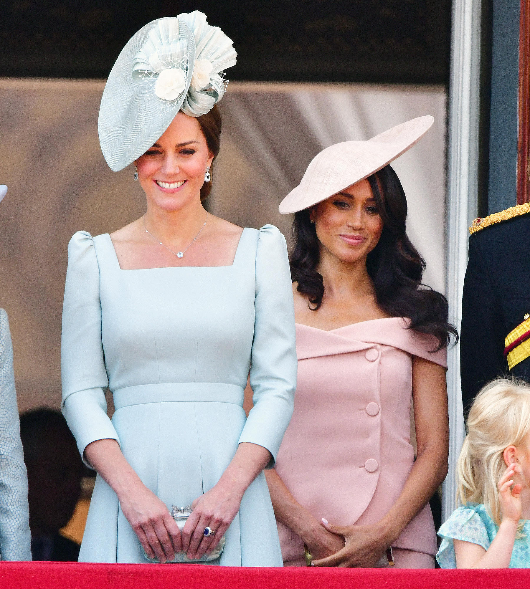 Duchess Kate Duchess Meghan Cheer On Serena Williams Wimbledon