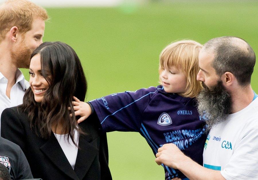 prince-harry-meghan-markle-hair-pull