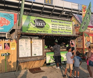 Food Stand in Wisconsin Serves Ants on a Stick With Real Bugs and Twitter Is Divided