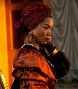 Angela-Bassett-not-returning-to-Horror-Story
