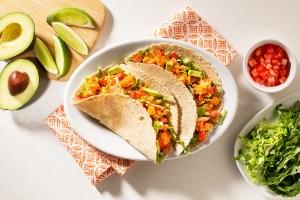 Candace-Cameron-Bure's-Weeknight-Buffalo-Chick-Tacos