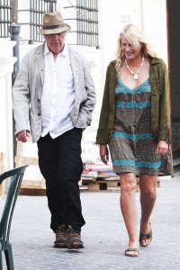 neil young daryl hannah secerly married