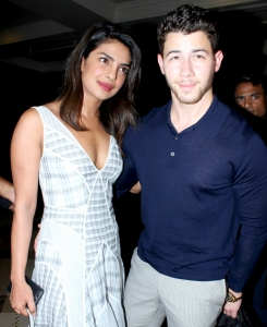 Priyanka-Chopra-and-Nick-Jonas-Mumbai