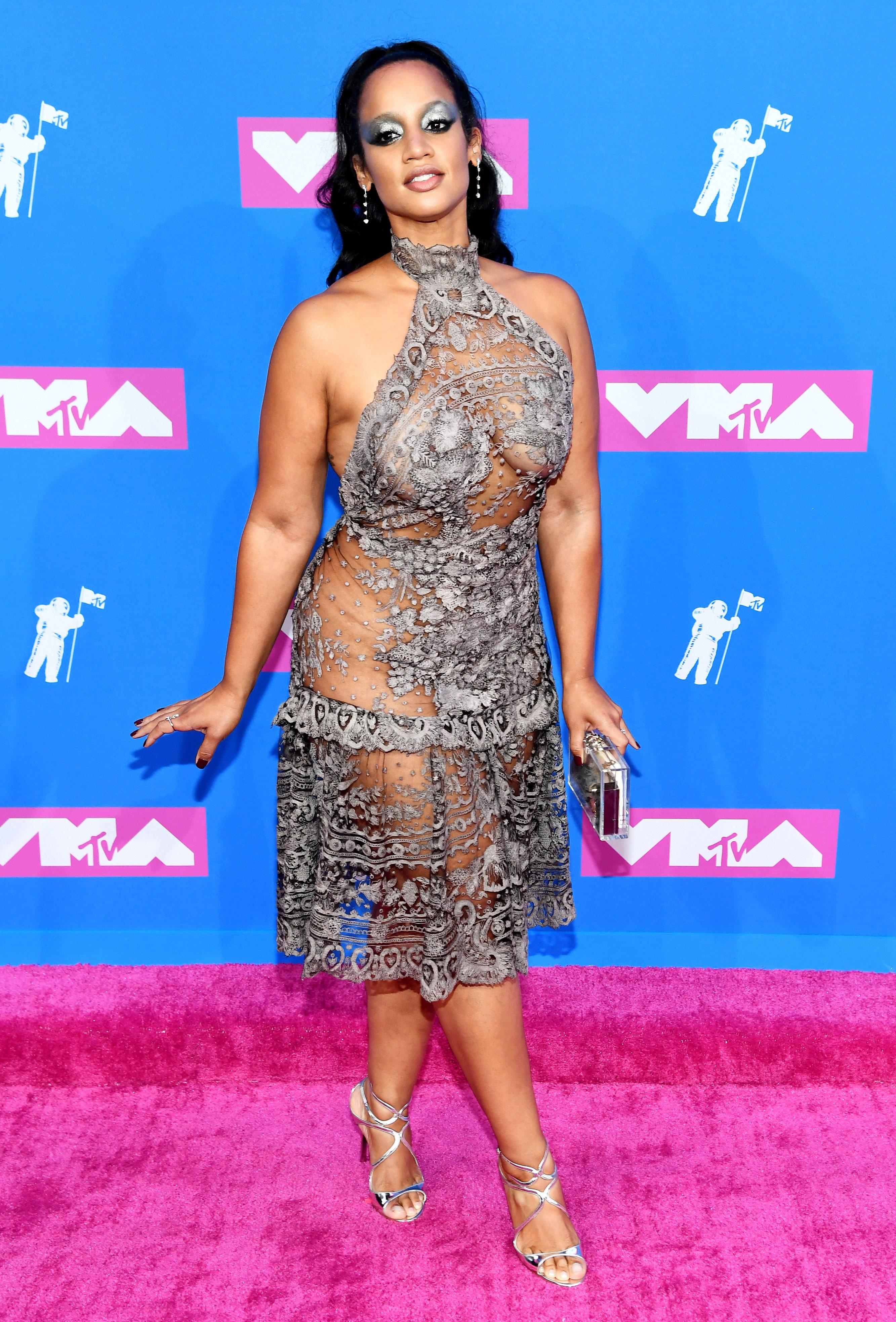 Amara La Negra Naked vmas 2018 red carpet fashion: see celeb dresses, gowns