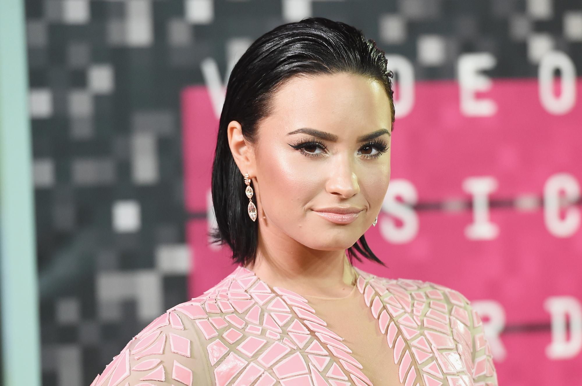 5c19f327b Demi Lovato Begins 'Aggressive' Rehab After Overdose, Hospitalization