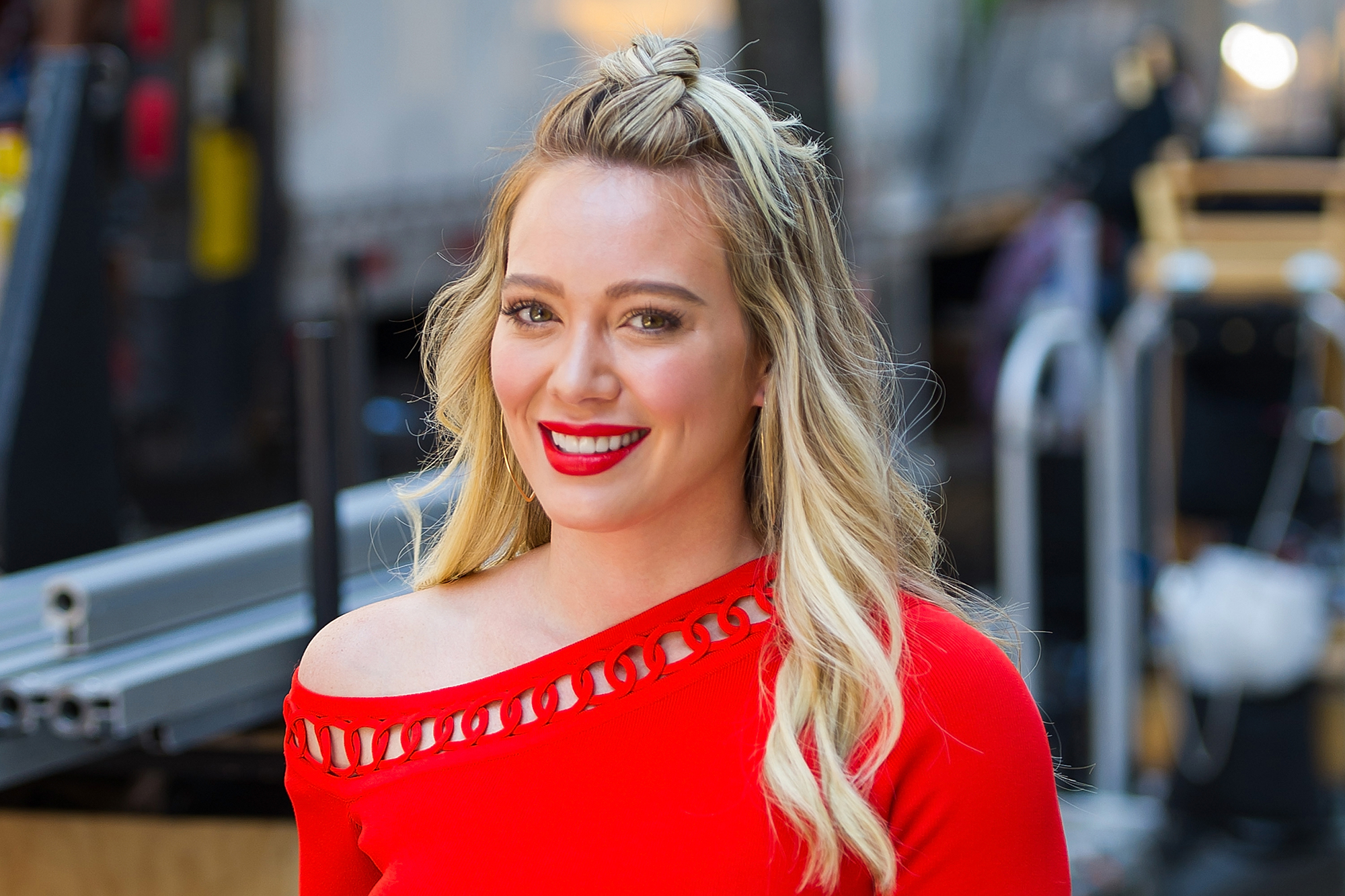 hilary duff dating timeline