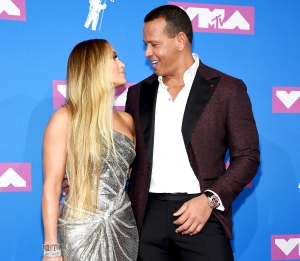jennifer-lopez-thanks-alex-rodriguez-vmas-2018