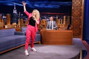 Kate McKinnon performs a Hungarian Rap during an interview with host Jimmy Fallon on August 1, 2018.