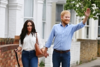 Prince Harry Meghan Markle Living wax figures
