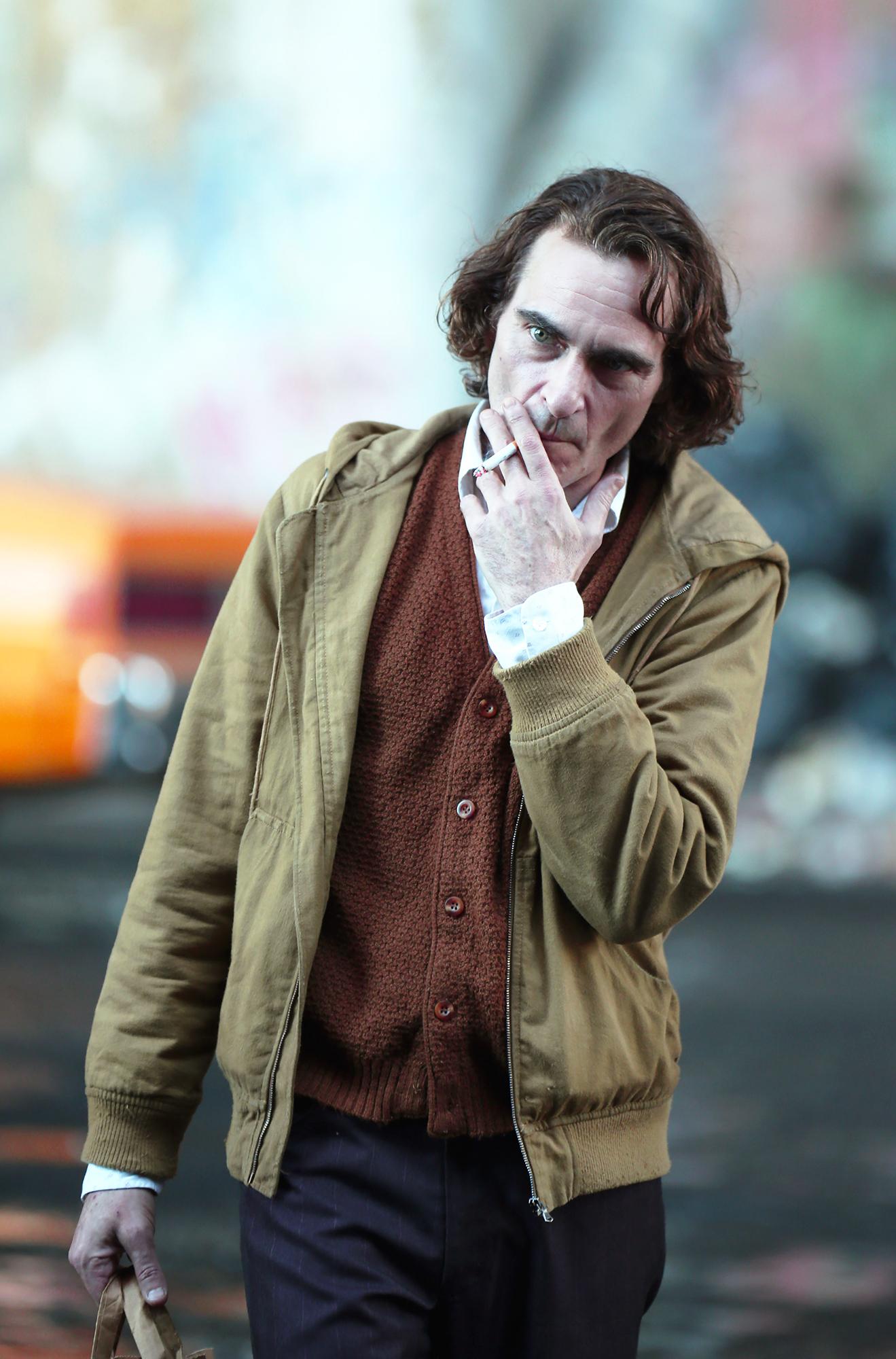 <b>Joaquin Phoenix</b> Transforms Into The <b>Joker</b> in First <b>Makeup</b> Video