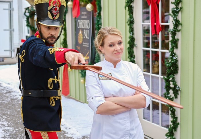Barry Watson Melissa Joan Hart A Very Nutty Christmas