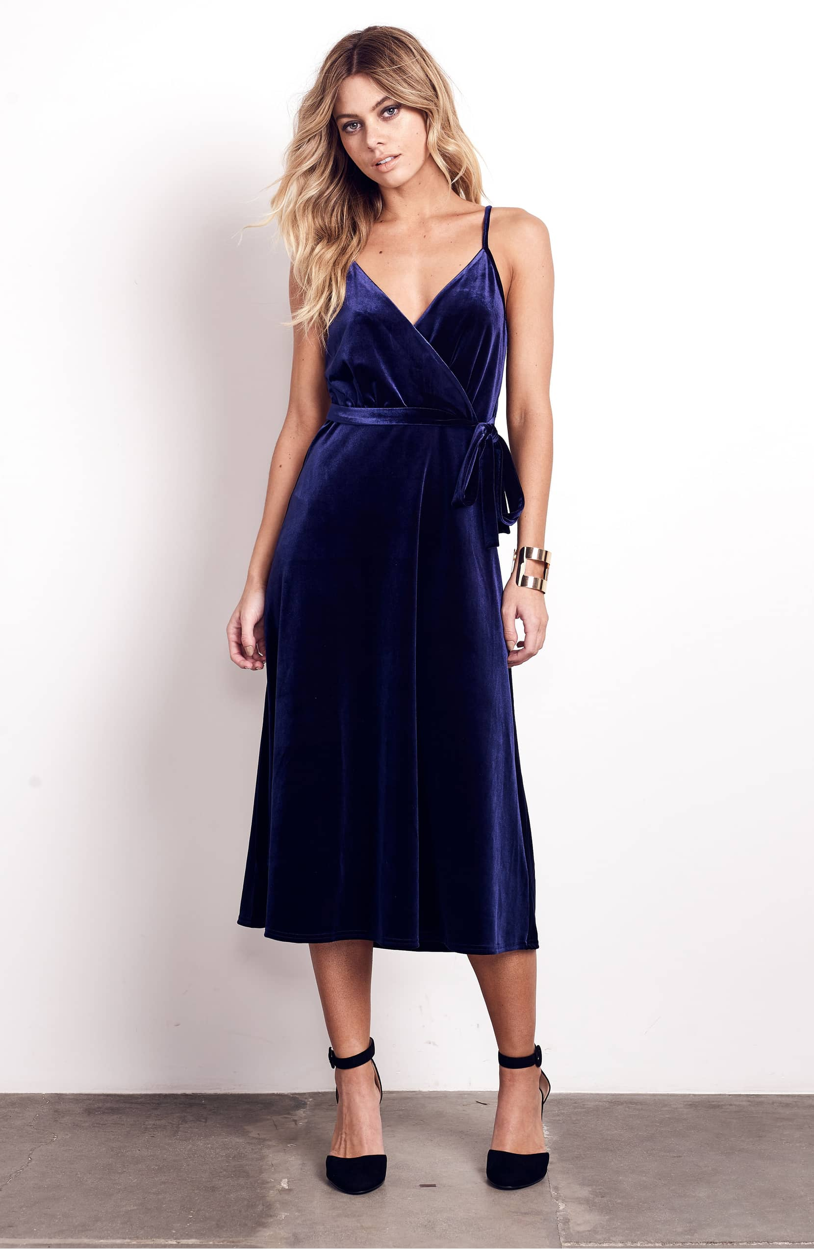 shop this blue velvet dress for fall and winter parties. Black Bedroom Furniture Sets. Home Design Ideas