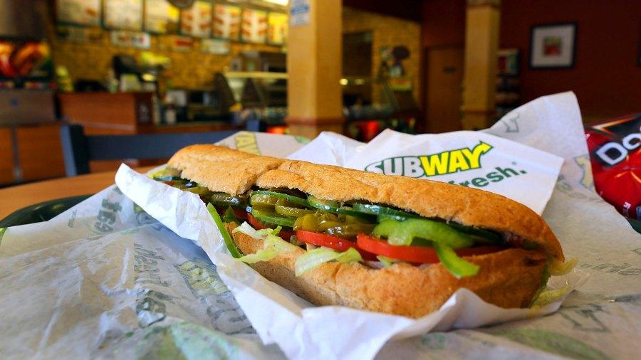 subway sandwich footlong