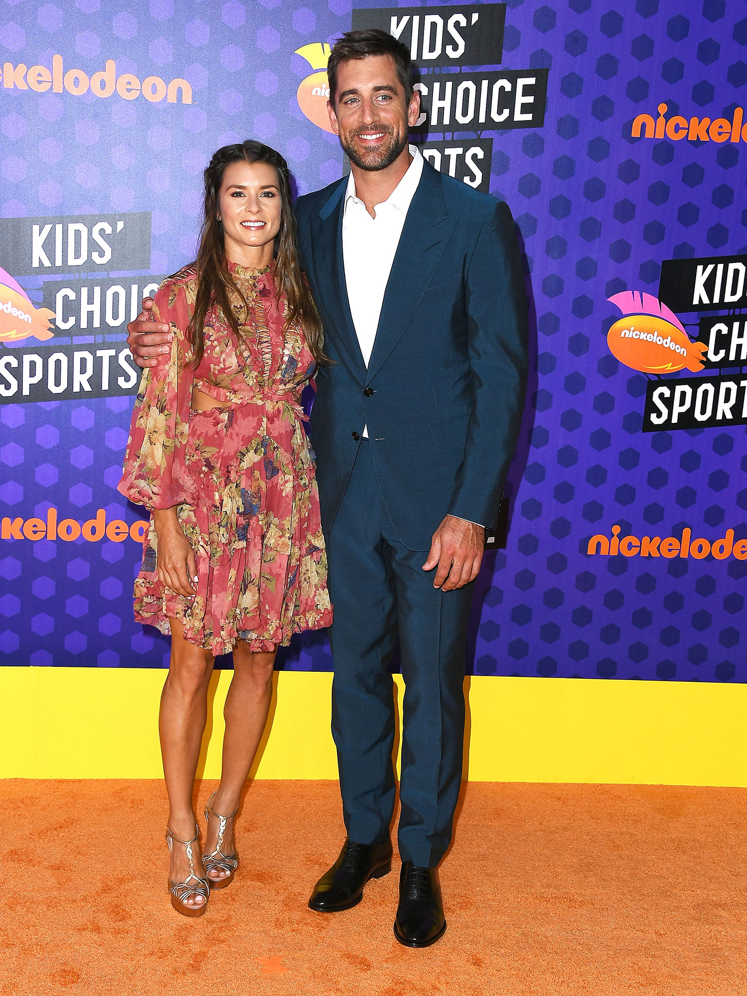 It S Official Danica Patrick And Aaron Rodgers Are Dating Chicago Sun Times