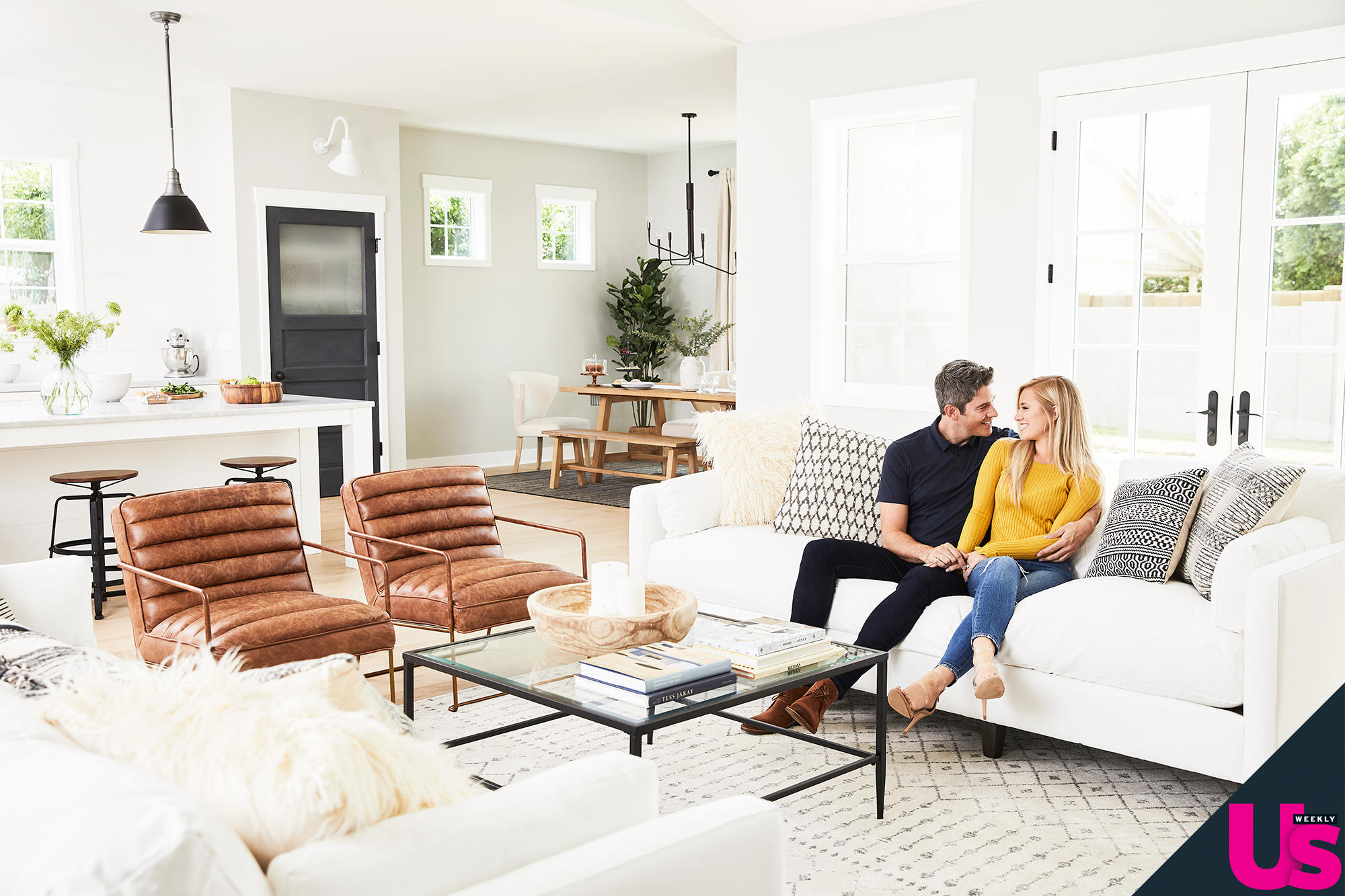 Arie Luyendyk Jr Lauren Burnham New Home - The couple — who will marry in Maui, Hawaii, January 12 — turned to Wayfair Registry to help decorate their home to create a modern-farmhouse theme.