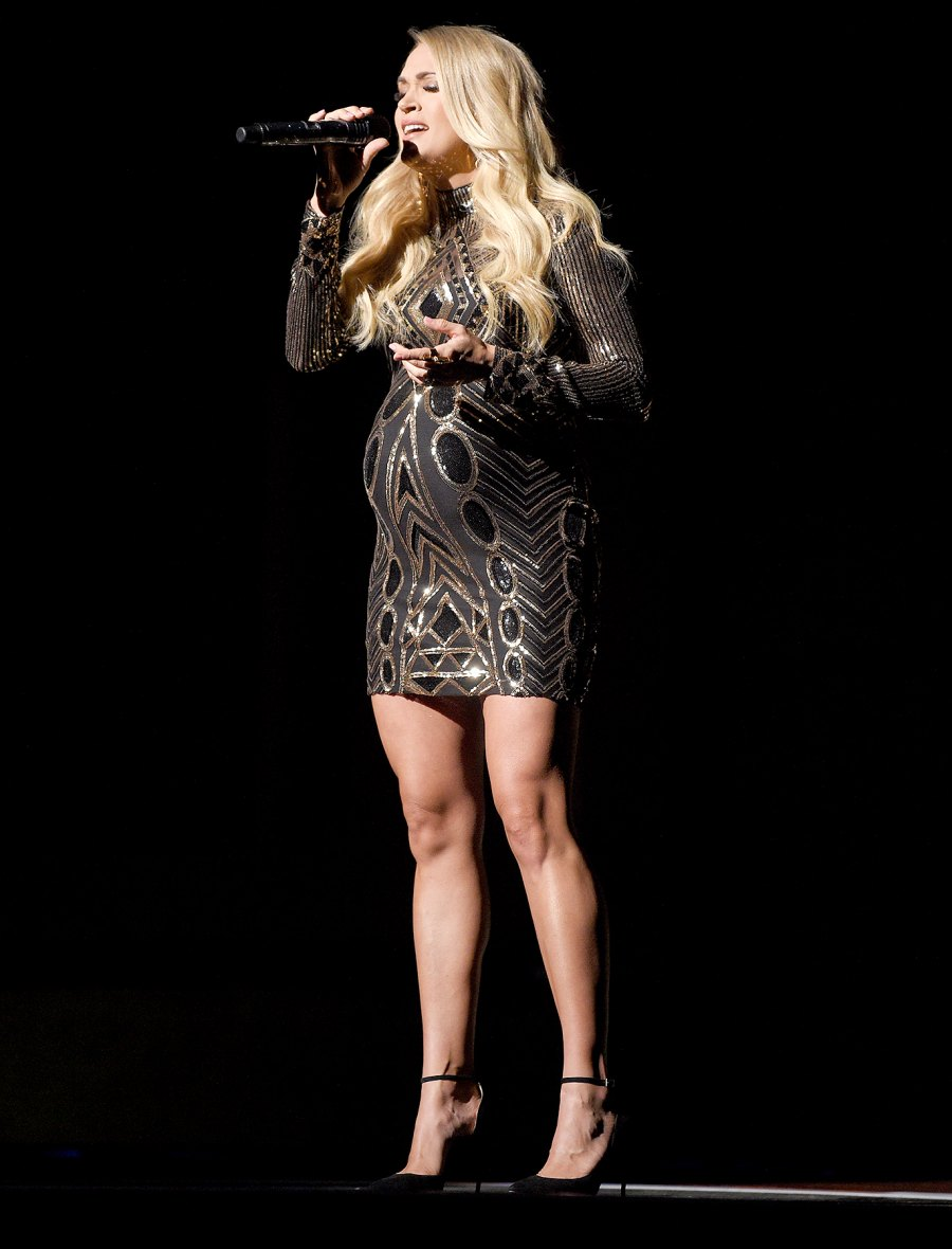 Carrie Underwood pregnany style