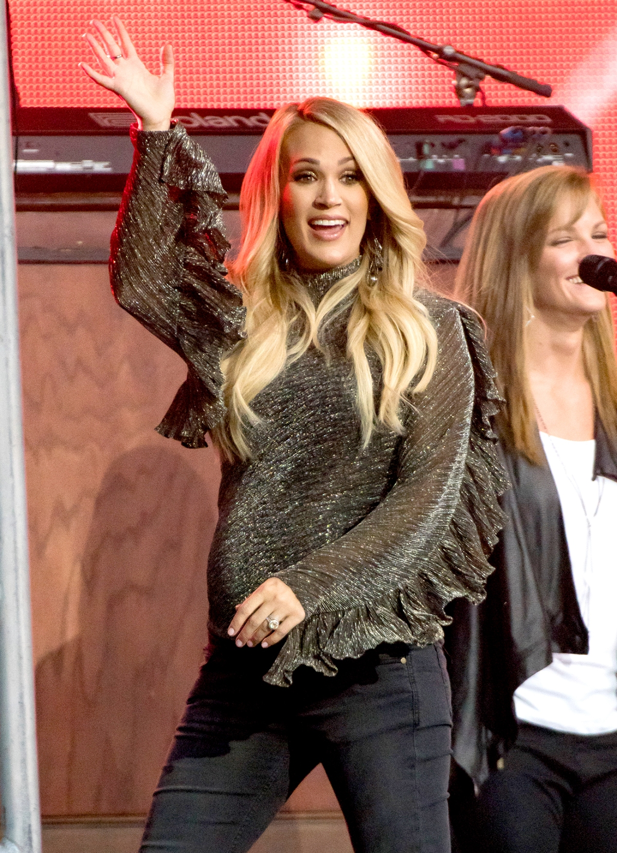 8e21cbce1874 Carrie Underwood's Second Pregnancy Maternity Style, Fashion: Pics