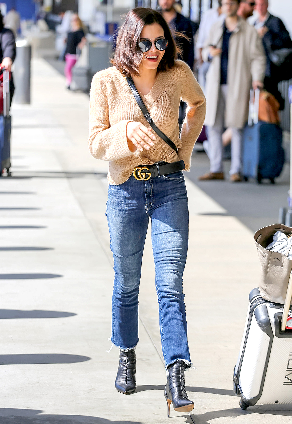 Jenna-Dewan-channing-tatum-dating-jessie-j - The Resident actress, 37, was all smiles making her way through the airport.