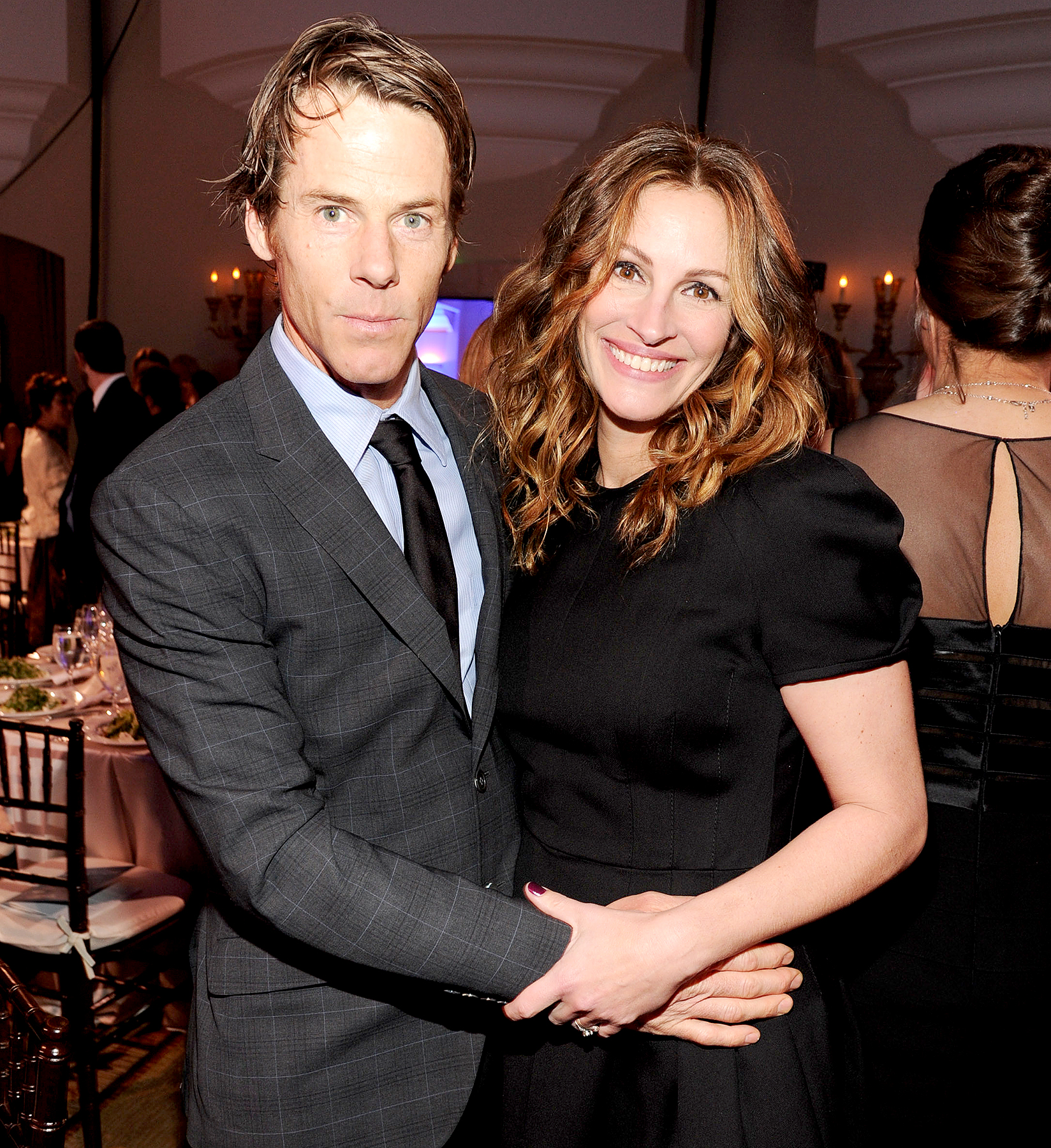 Julia-Roberts-Danny-Moder-divorce-rumors - Danny Moder and Julia Roberts attend the 3rd annual Sean Penn & Friends HELP HAITI HOME Gala benefiting J/P HRO presented by Giorgio Armani at Montage Beverly Hills on January 11, 2014 in Beverly Hills, California.