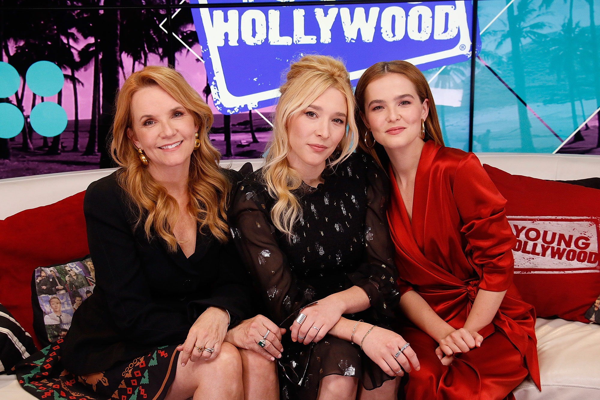 Lea Thompson, Madelyn Deutch and Zoey Deutch - Lea Thompson, Madelyn Deutch and Zoey Deutch visits the Young Hollywood Studio on June 6, 2017 in Los Angeles, California.
