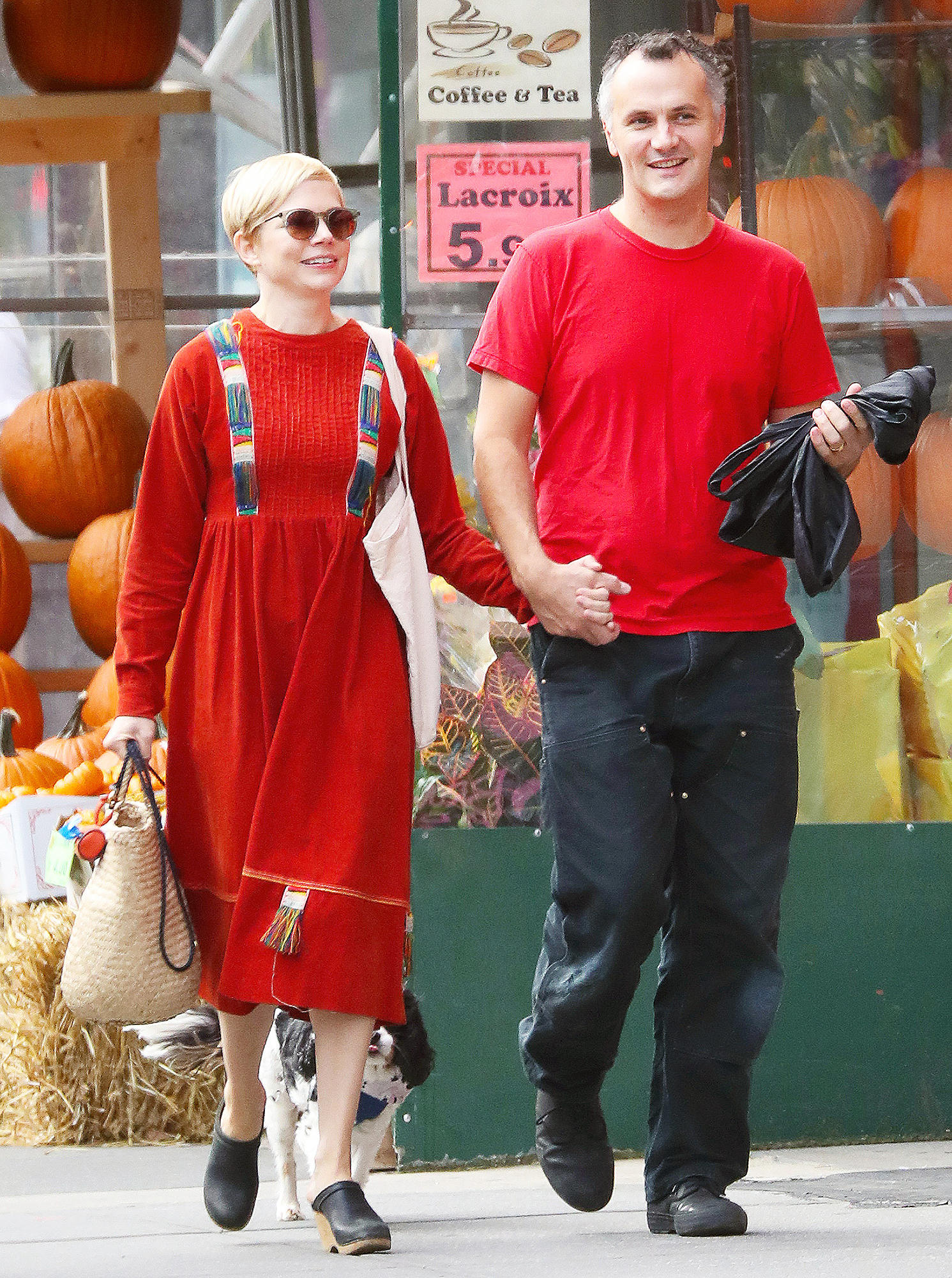 Michelle Williams Phil Elverum Matching Outfits Kiss