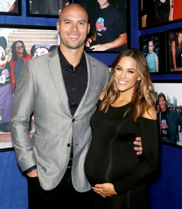 Mike-Caussin-Jana-Kramer-pregnancy