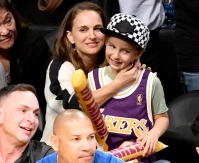 Natalie-Portman-and-her-son-Aleph