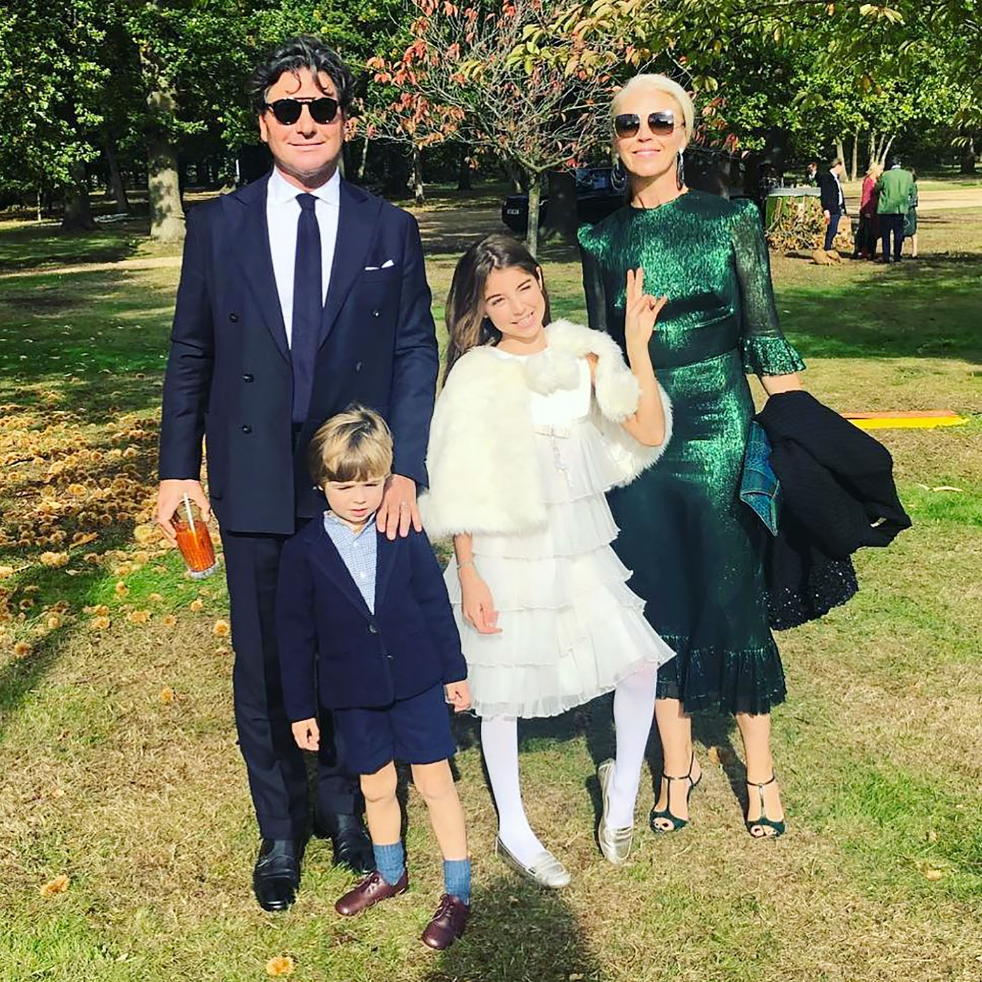 Princess Eugenie, Jack Brooksbank, Wedding - Socialite Tamara Beckwith posed with her husband, Giorgio Veroni , and their children Violet and Vero.