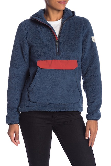 The North Face Campshire Hooded Half Zip Pullover