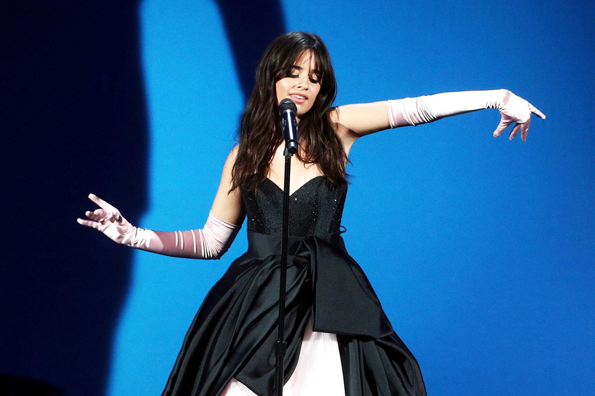 Amas 2018 Camila Cabello S Performance Drives Twitter Wild