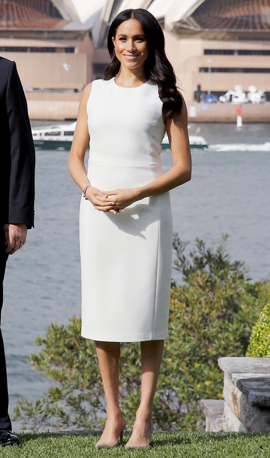 duchess-meghan-baby-bump