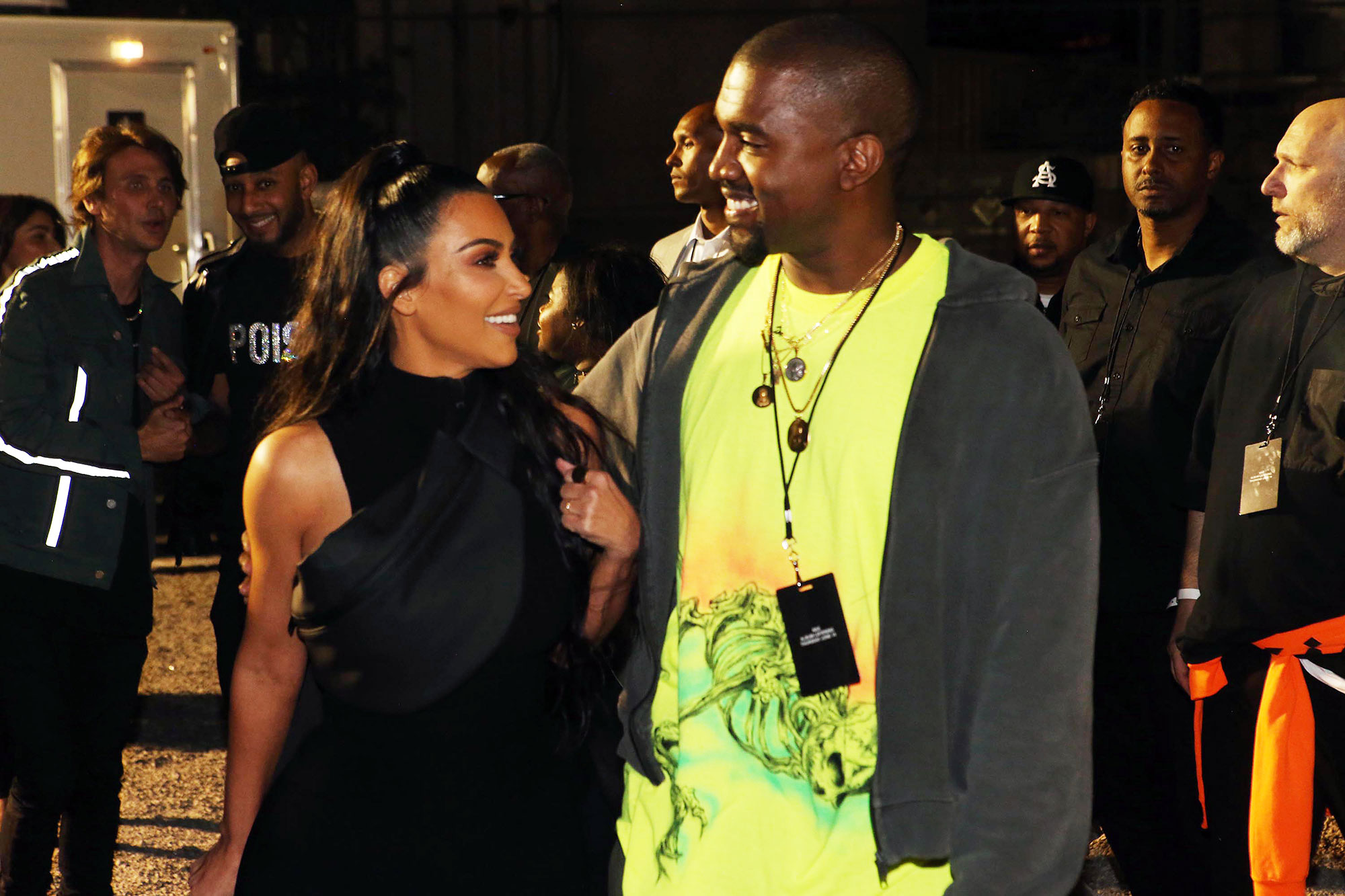 71e09ed7ff0f7 Kim Kardashian Shows 'Love' for Kanye West After His 'Saturday Night Live'  Controversy
