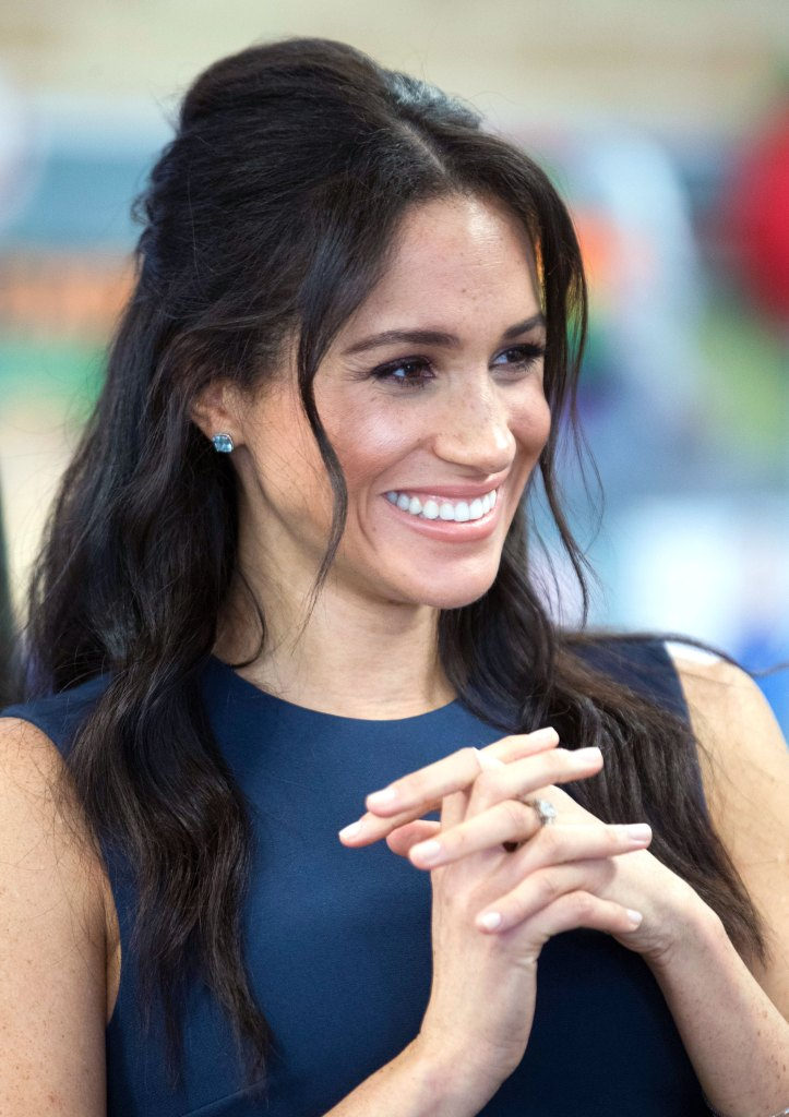 Meghan Markles Half Up Hairstyle In Australia Pics