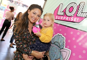 Vanessa Lachey Has Strong Feelings About People Who Clean Their Plates: Watch