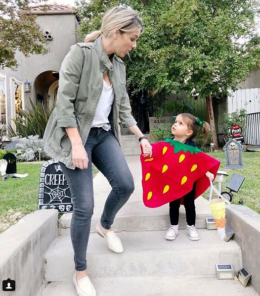 Ali Fedotowsky Daughter Halloween