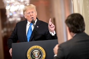 Donald-Trump-Jim-Acosta
