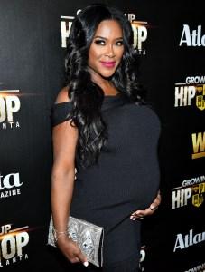 Kenya-Moore-pregnant
