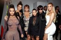 Kim-Kardashian,-Kendall-Jenner,-Chrissy-Teigen,-Kourtney-Kardashian,-Kris-Jenner-and-Khloe-Kardashian