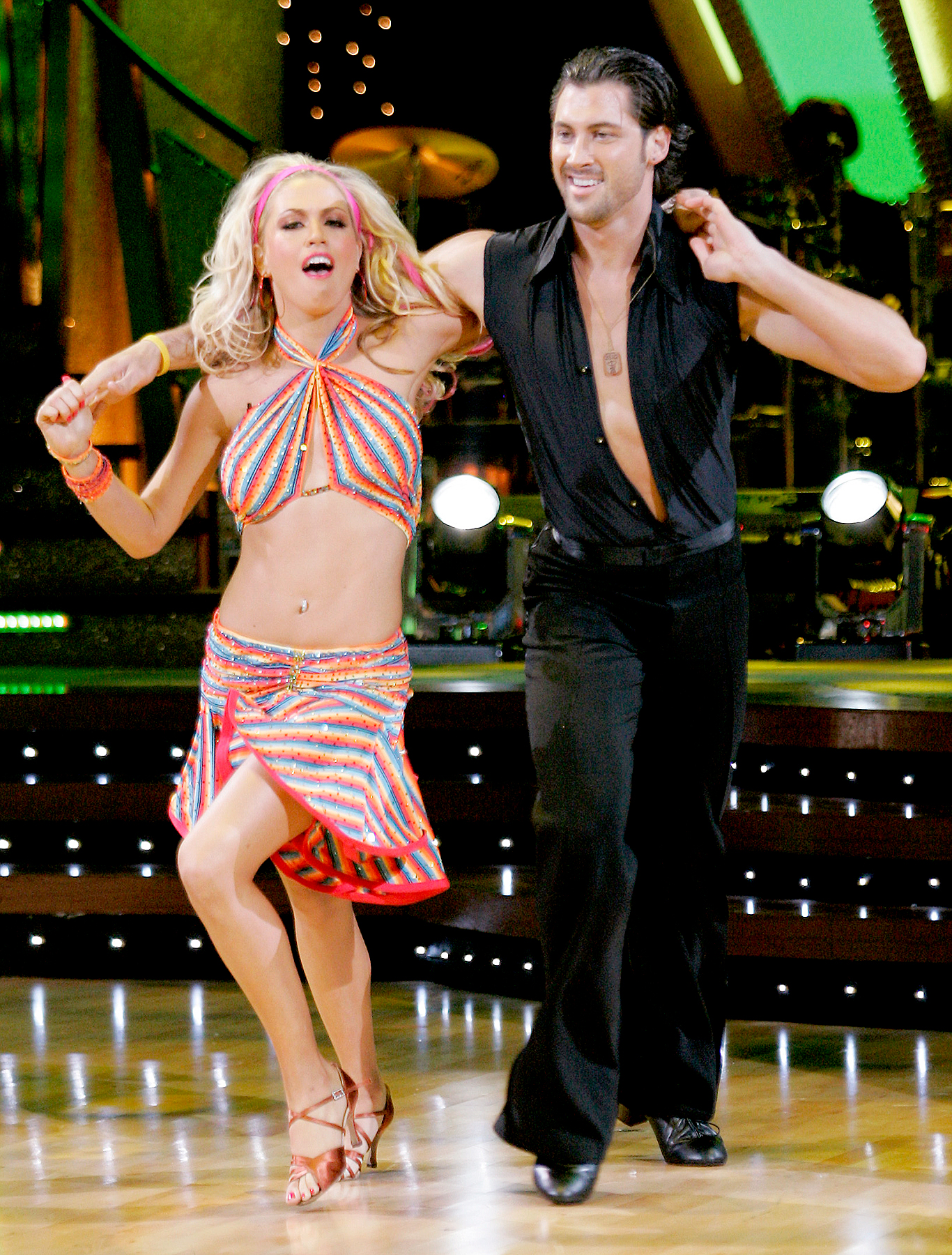 Dancing with the stars max and erin still hookup