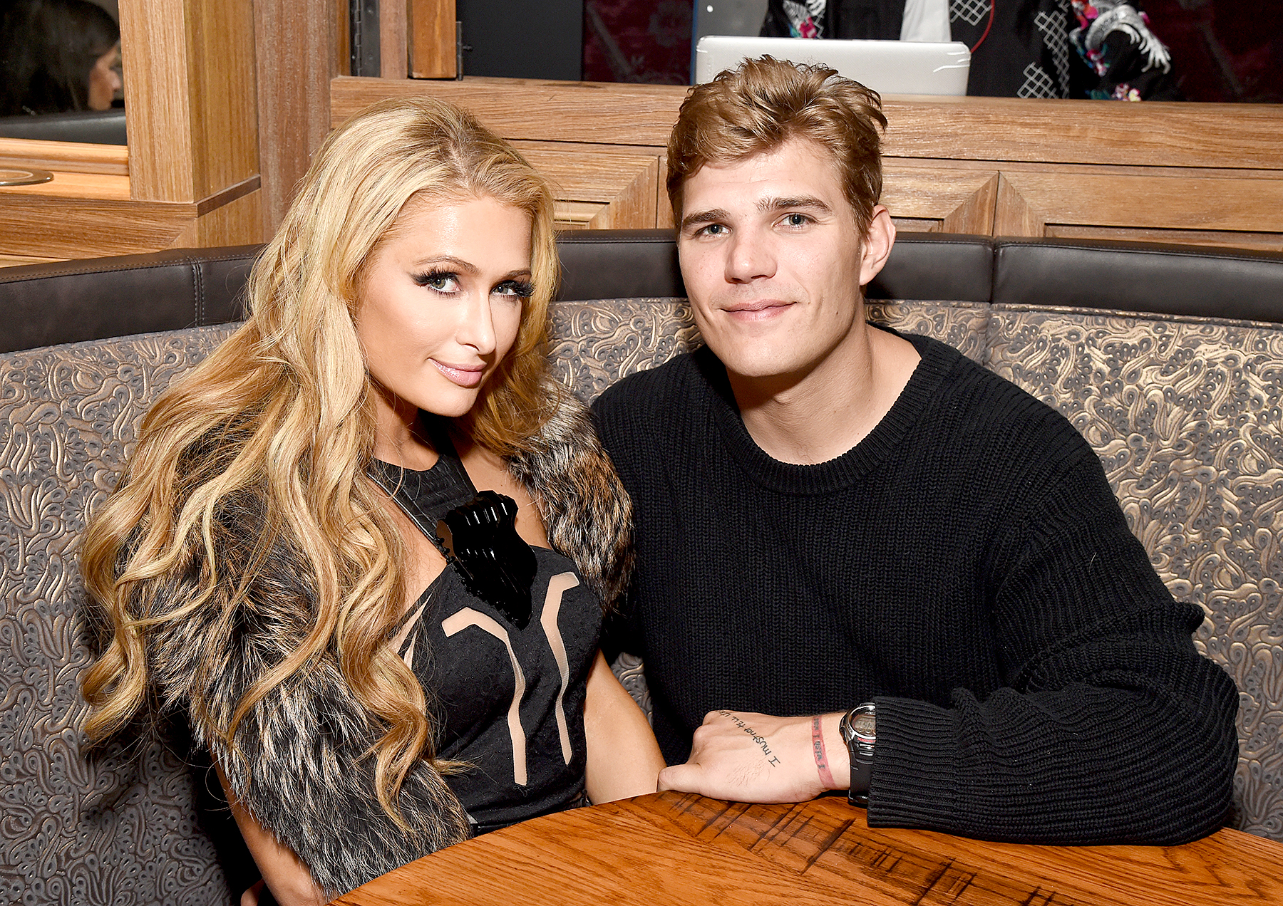 Paris-Hilton-and-Chris-Zylka split