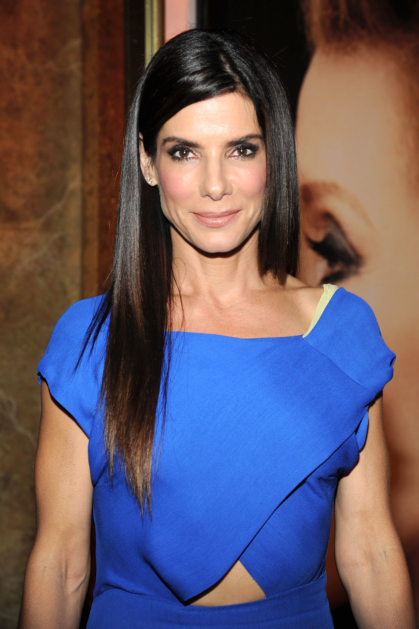 Sandra Bullock - In December 2015, after she was spotted carrying a baby into a hospital two months beforehand, the Ocean's 8 actress revealed that she had adopted a second child : daughter Laila.