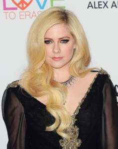 Avril Lavigne Addresses Conspiracy Theory That She Died Years Ago And Was Replaced by Body Double