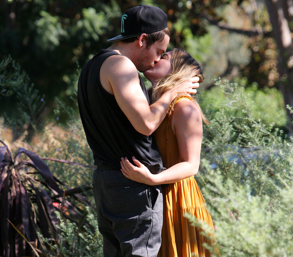 Hilary Duff and Matthew Koma: A Timeline of Their Relationship - EXCLUSIVE: Hilary Duff Kissing her boyfriend Matthew Koma while out in Los Angeles. 24 Nov 2017 Pictured: Hilary Duff and Matthew Koma.