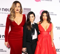 Khloe Kardashian Kourtney Kardashian Kim Kardashian Evacuate Calabasas California Wildfires