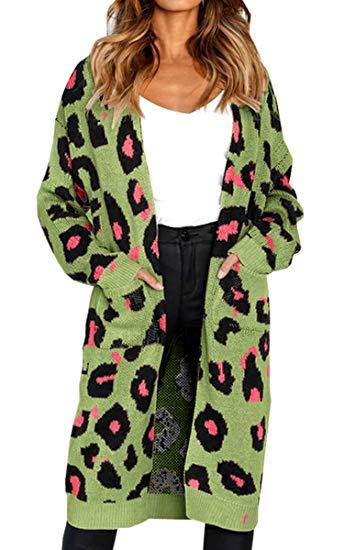 cárdigan con estampado de leopardo verde y rosa